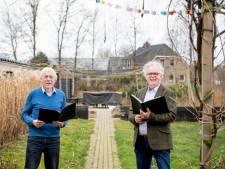 Jubilerend mannenkoor Vroomshoop kan al een jaar niet repeteren: 'Maar we zijn er klaar voor'
