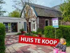 Dit 'charmante' huisje in Engelse stijl kan voor jou zijn (maar let op: de woning is wel scheef!)