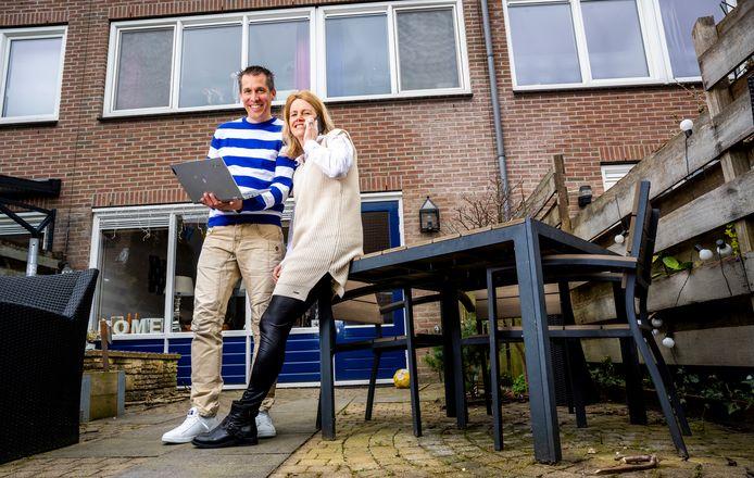 Martine van Tol en haar man zijn al een tijdje opzoek naar een aannemer die een dakopbouw op hun huis in Zoetermeer wil plaatsen, maar er is geen aannemer te vinden.