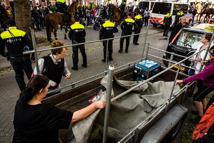 Aanhangers van Pegida tijdens de demonstratie in Eindhoven.