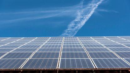 """Nu ook zonnepanelen op gemeentehuis: """"Dat zal ons 35 procent besparen op totale verbruik"""""""