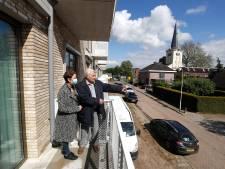 Eindelijk een balkon voor Antoon Boerakker (94), in  Oevelgunne in Gendringen: 'Ik heb het heel goed hier'