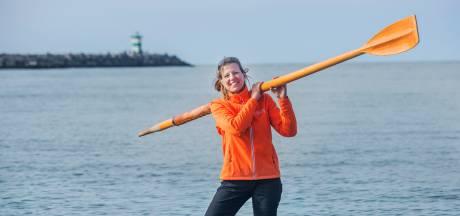 Renate roeit samen met drie 'gewone' vrouwen de oceaan over: 'Niet zeuren maar roeien'