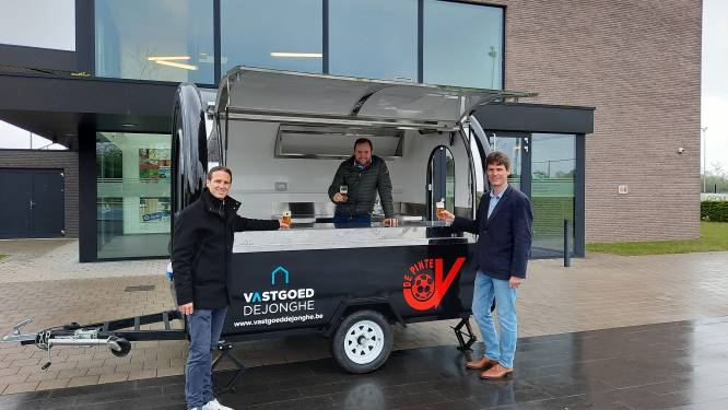 Mobiele kantine voor voetbalclub JV De Pinte