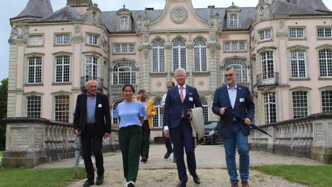 """Kasteel van Poeke nu officieel in Vlaamse handen: """"Maar het blijft ook het kasteel van iedere Aalternaar"""""""