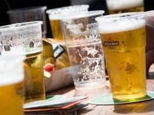 Man zwalkt over straat, krijgt bekeuring voor dronkenschap