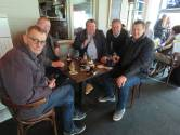 """Bende van Ellende ziet mekaar eindelijk terug op terras Den Arend: """"Om onze favoriete cafébaas te steunen"""""""