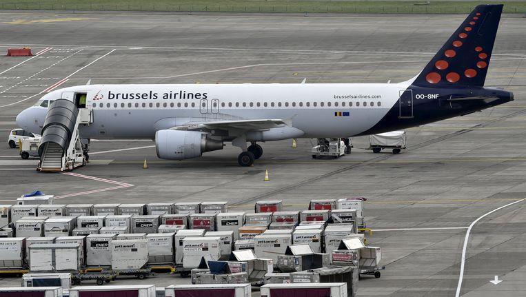 Een vliegtuig van Brussels Airlines op de luchthaven van Zaventem. Beeld REUTERS