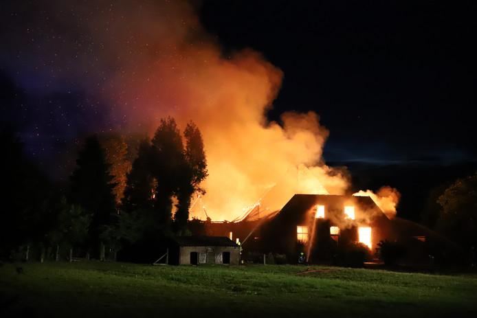 Bij de grote brand in Altforst zijn geen gewonden gevallen.