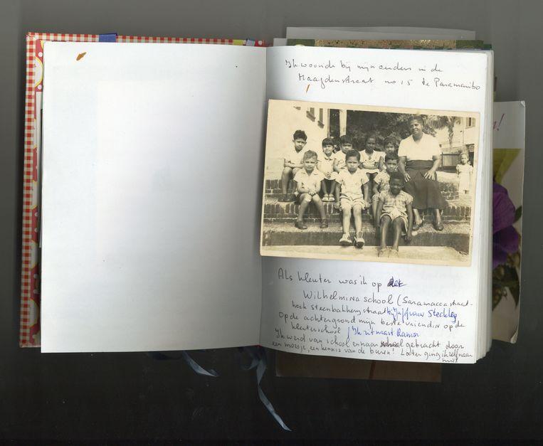 Een dagboekfragment van Rinia Chitanie over haar tijd op de kleuterschool. Beeld prive archief