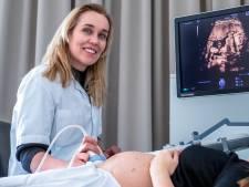 Mireille is hoogleraar verloskunde: 'Veel ongeboren kinderen met een afwijking halen het'