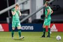 De eerste poging van De Graafschap om promotie veilig te stellen, mislukte vrijdag door een 1-1 gelijkspel bij Jong Ajax, tot teleurstelling van Melvin Platje (links) en Ralf Seuntjens.