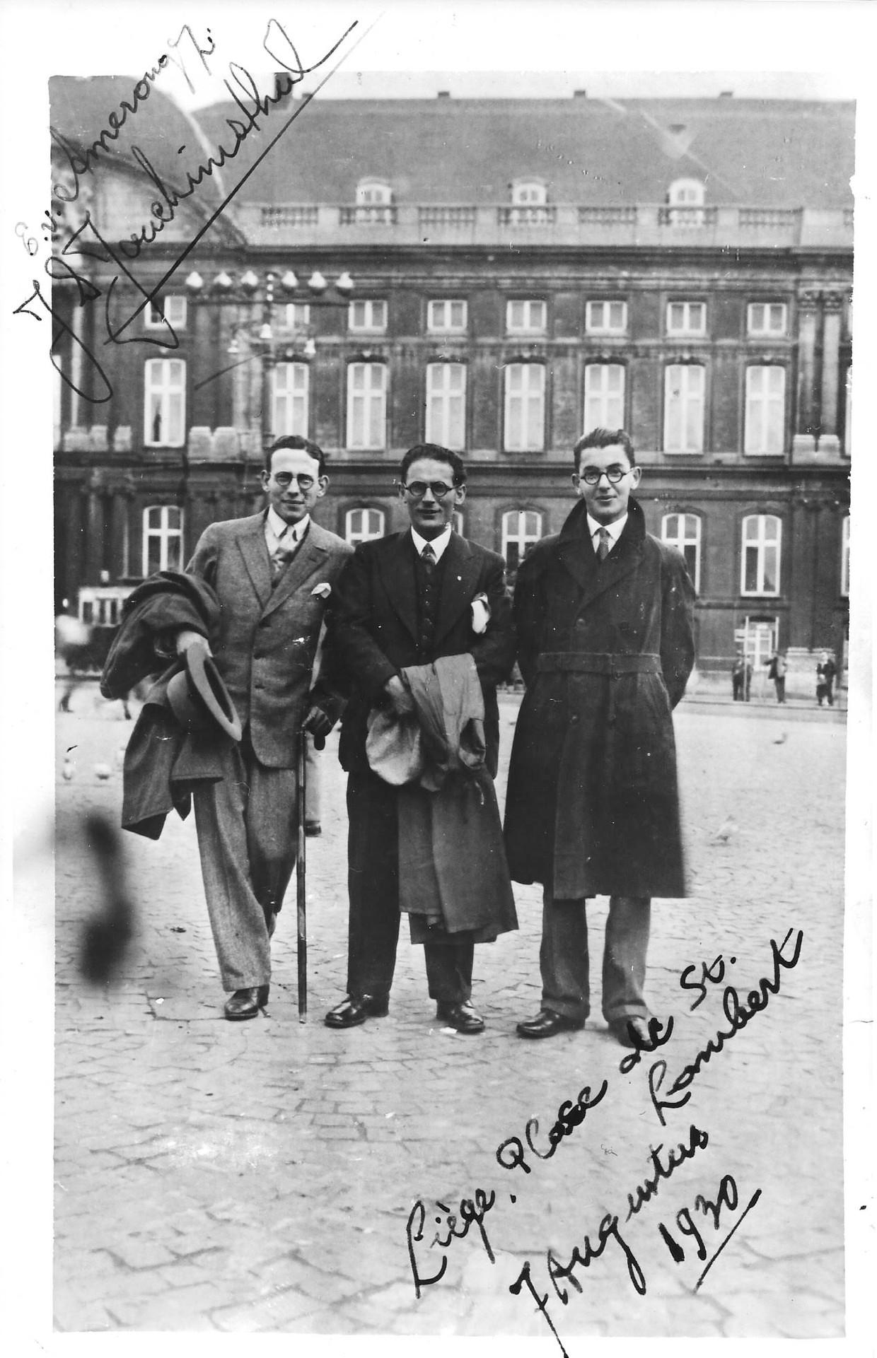 Eddy van Amerongen, Izaak de Vries en Jonas Salomon Joachimsthal (v.l.n.r.), de drie toenmalige directeuren van Joachimstahl tijdens een bezoek aan Luik in 1930. Beeld Joods Historisch Museum