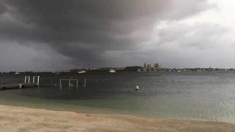 Wolken boven Sint Maarten Beeld Kees Broere