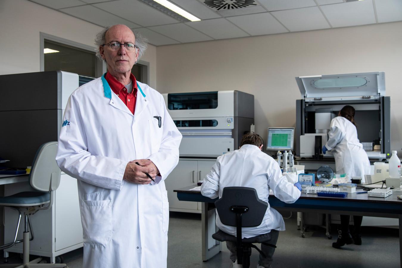 Bert Mulder. Arts-microbioloog bij het Redteam en werkzaam bij het Nijmeegse CWZ.