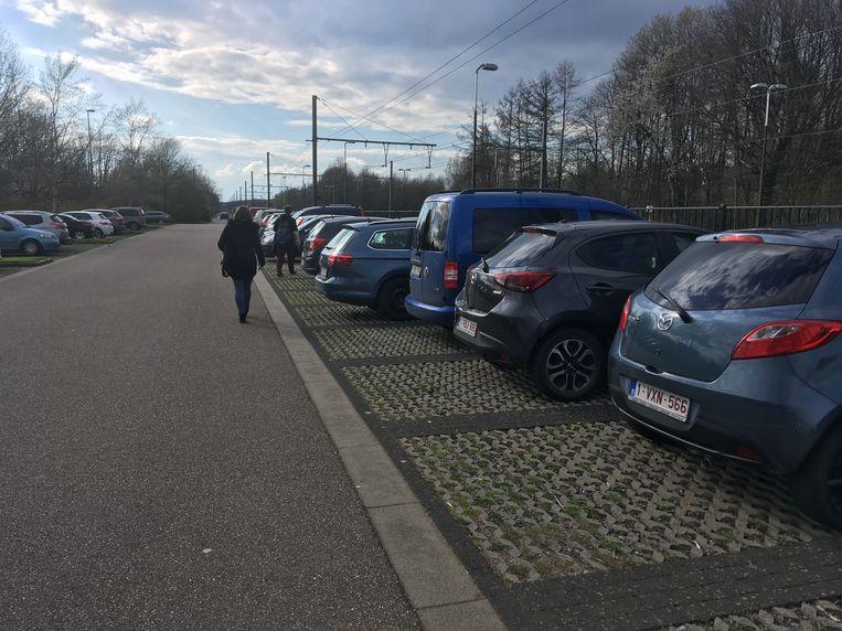 De parking van het station in Aarschot.