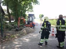 Gasleiding geraakt in Alphen; buurt moet binnen blijven, auto's starten verboden
