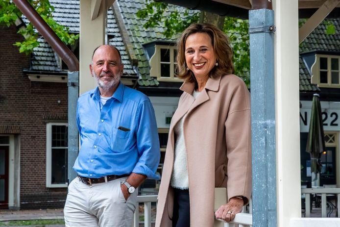 Rino Jonkers en zijn zus Ellen Standhardt-Jonkers zijn de drijvende krachten achter het initiatief een referendum te houden over de bouwplannen in Houten.