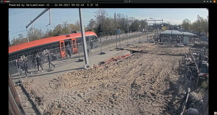 Een screenshot van de live-camera op station Gorinchem waarvan de beelden via het YouTube-kanaal van ProRail zijn te bekijken.