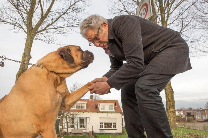 """Gary Yanover: ,,Op dit moment is het niet ideaal om een debat over hondenbelasting aan te gaan, want er is zoveel aan de hand in Den Haag."""""""