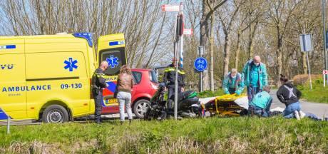 Scooter wordt gelanceerd bij ongeluk in Woerden, gewonde naar het ziekenhuis