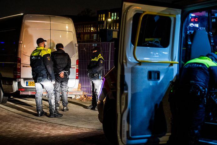 In totaal zijn dinsdagavond 33 personen aangehouden.