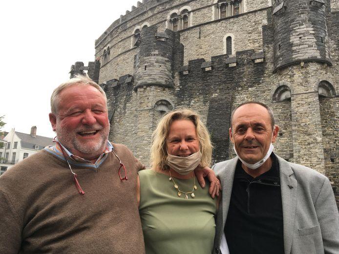 Lachanimator Luc Van Imschoot, Annick De Splenter (Gruut) en Henk Hellemans (Gent-Watertoerist) zorgen samen voor echte Gentse thematochten op het water.