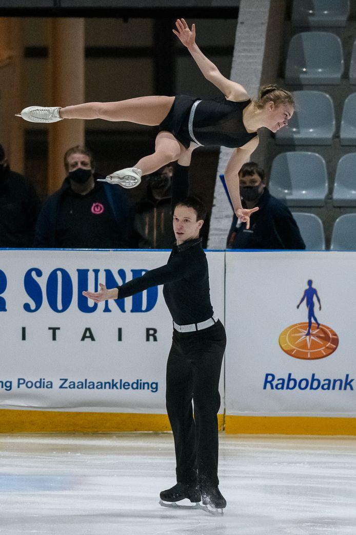 Nika Osipova en Dmitry Epstein met hun korte kür tijdens de Challenge Cup. Foto: Patrick Dolkens