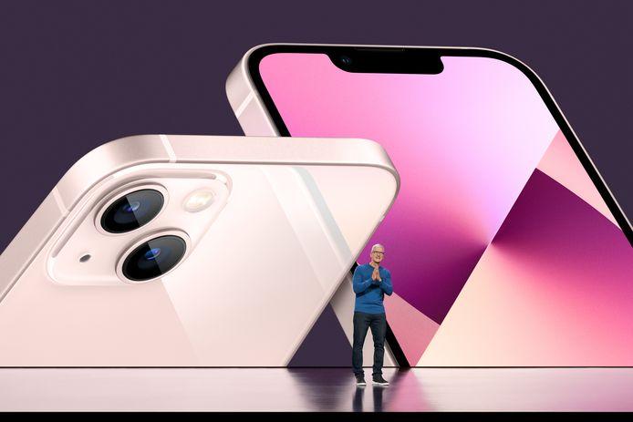 Apple-topman Tim Cook onthult de iPhone 13.