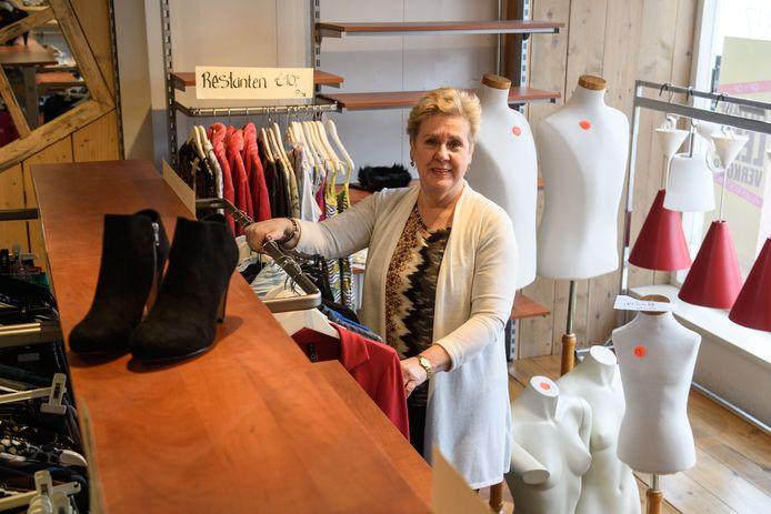 Mirjam Brinkmans-Hoek  stopt met haar modezaak in Markelo.
