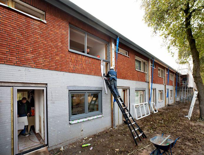 Renovatie van 9 proefwoningen in 't Ven aan de Cornelis van Bijnkershoekstraat in Eindhoven