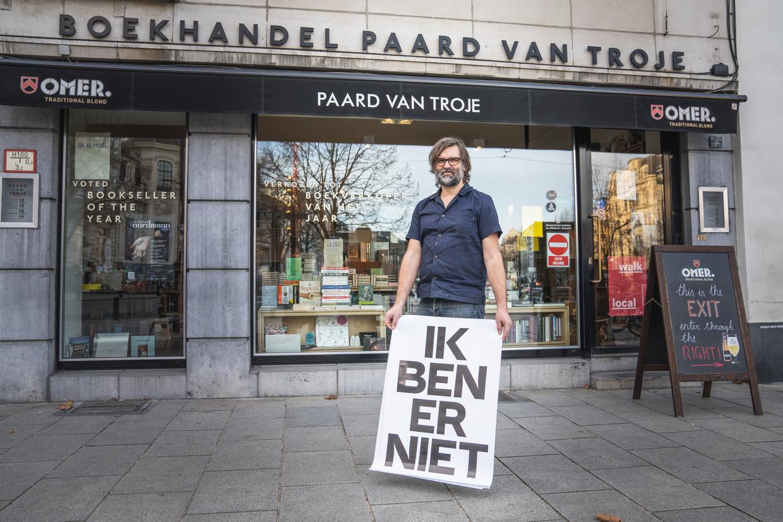 Eigenaar Bart Van Aken: ' Voor het eerst in mijn carrière voel ik dat de tijd rijp is om de fakkel over te dragen aan een nieuwe generatie boekverkopers. Ik heb nu de juiste mensen aan boord, met de nodige portie rock-'n-roll.' Beeld Wannes Nimmegeers