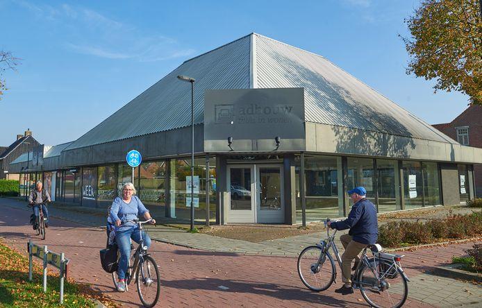 Uden is overvallen door twee verzoeken van Aldi om nieuwe supermarkten te bouwen, zoals op deze plek aan de Bitswijk. De vergunning voor een supermarkt op deze plek is verleend.