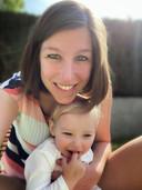 Nele De Waele met haar dochtertje Mila