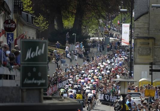 Er is altijd veel publiek langs het parcours van de Gold Race.
