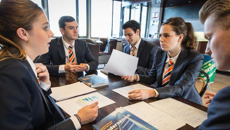 EuroCollege betekent hard werken en snel afstuderen. Kosten: 13.800 euro per jaar Beeld Dingena Mol