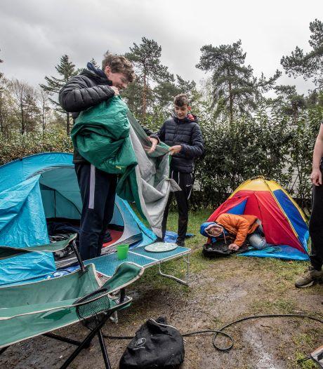 Slecht weer zorgt voor 'baaldag' op de camping: 'Wat kun je doen met regen en coronabeperkingen?'