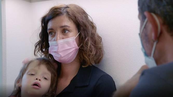 """Mama Axelle voelt zich machteloos in 'Axel Gaat Binnen': """"Ik kan dit niet oplossen"""""""