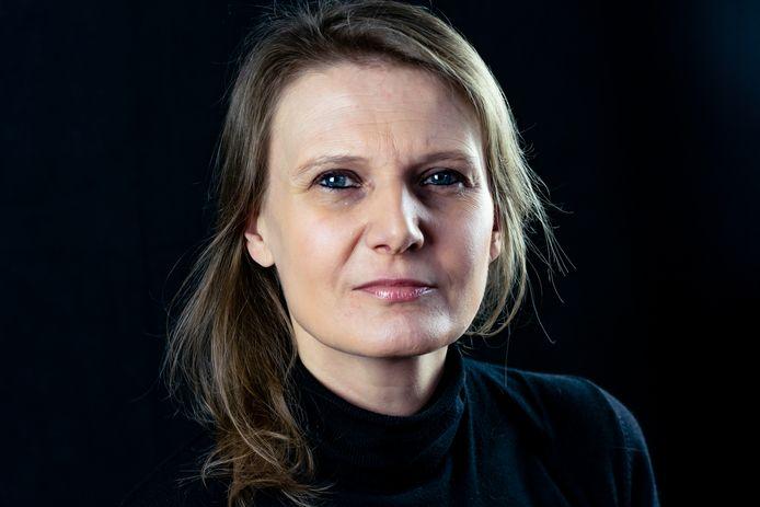 Ann Peuteman stelt in haar boek 'Grijsgedraaid' dat we bang moeten zijn om oud te worden.