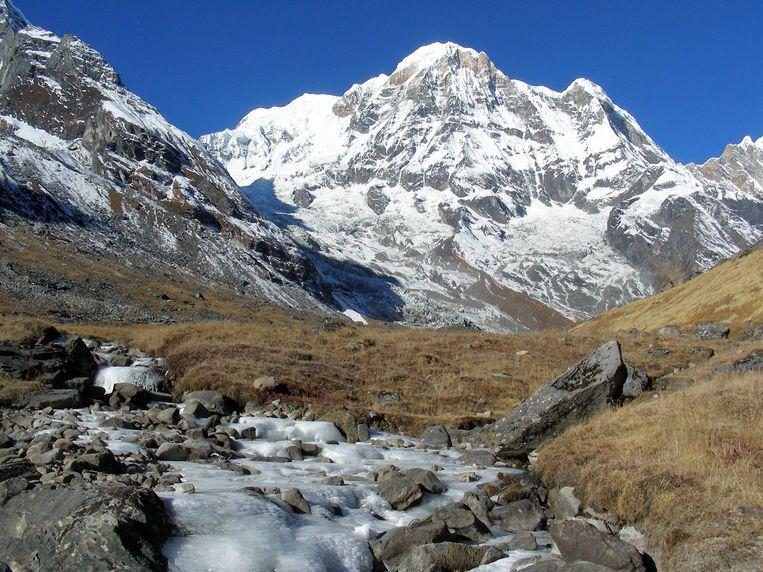 Annapurna, het einde van onze reis. De gletsjer wordt elk jaar kleiner door de klimaatverandering. Beeld Maarten Rabaey