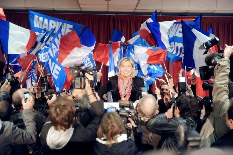 Marine Le Pen, voorzitster van het extreemrechtse Front National, dingt mee naar het hoogste ambt in Frankrijk volgend jaar. Beeld AFP