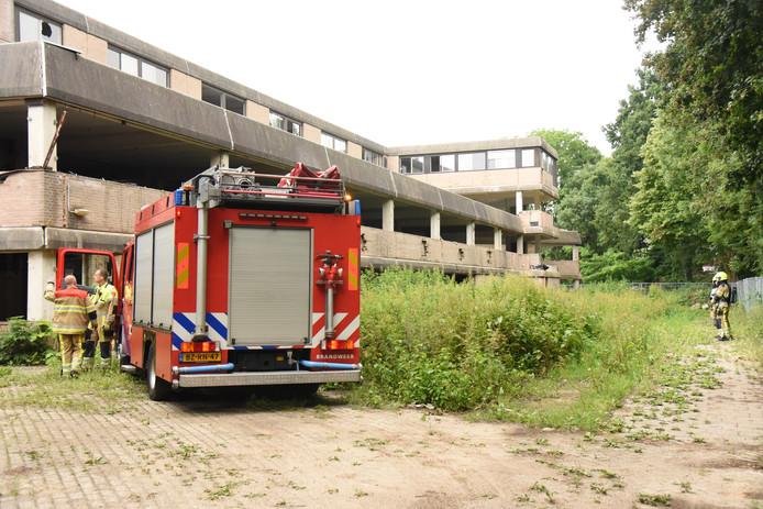 Voor de tweede keer in een week is er brand gesticht in de voormalige school.