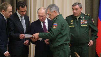 Poetin maant alle grote Russische bedrijven aan om klaar te zijn voor oorlogsproductie