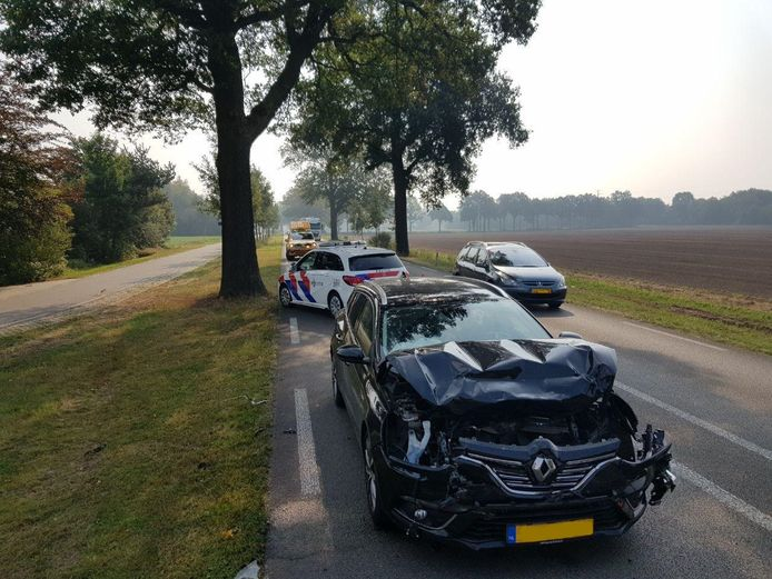 Bij een ongeluk op de N319 in Groenlo is de bestuurder van een Duitse auto gewond geraakt. De man is met onbekend letsel door een ambulance naar het ziekenhuis gebracht.