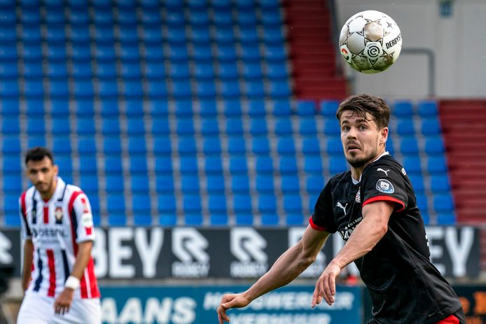 Marco van Ginkel zit ook donderdag weer bij de PSV-selectie voor het duel met Willem II.