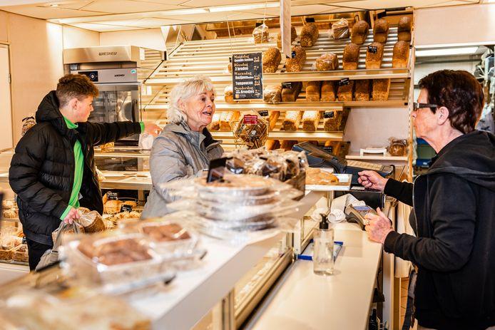 Ook de winkel van bakker Van Kempen in Koudekerk doet mee aan hulpactie Bakkers voor Beiroet