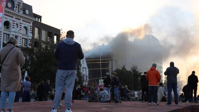 """Brand in restaurant Lux veroorzaakte veel rook in omgeving van MAS: """"Woont u in de buurt? Goed ventileren"""""""