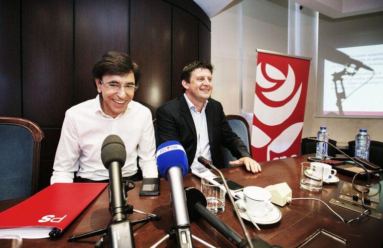 In een gezamenlijke persconferentie uitten Di Rupo en Crombez in juni 2015 hun ongenoegen over de 'ondoordachte' pensioenmaatregelen. Beeld Tim Dirven