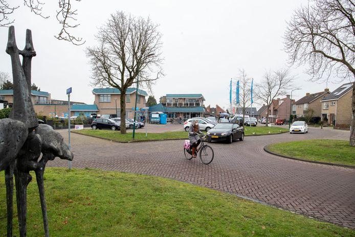Ouderen in Elst willen vooral zitjes in het centrum bij de winkels.
