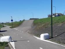 Fietsersbond vreest ongelukken door biggenruggen bij fietspad in Boven-Hardinxveld